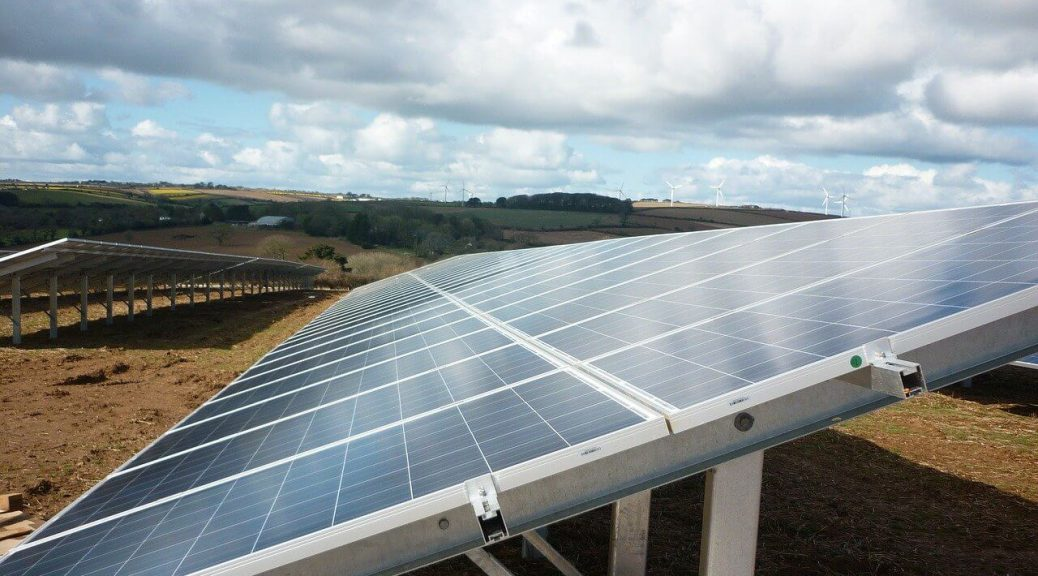 How Solar Energy Benefits the Local Economy